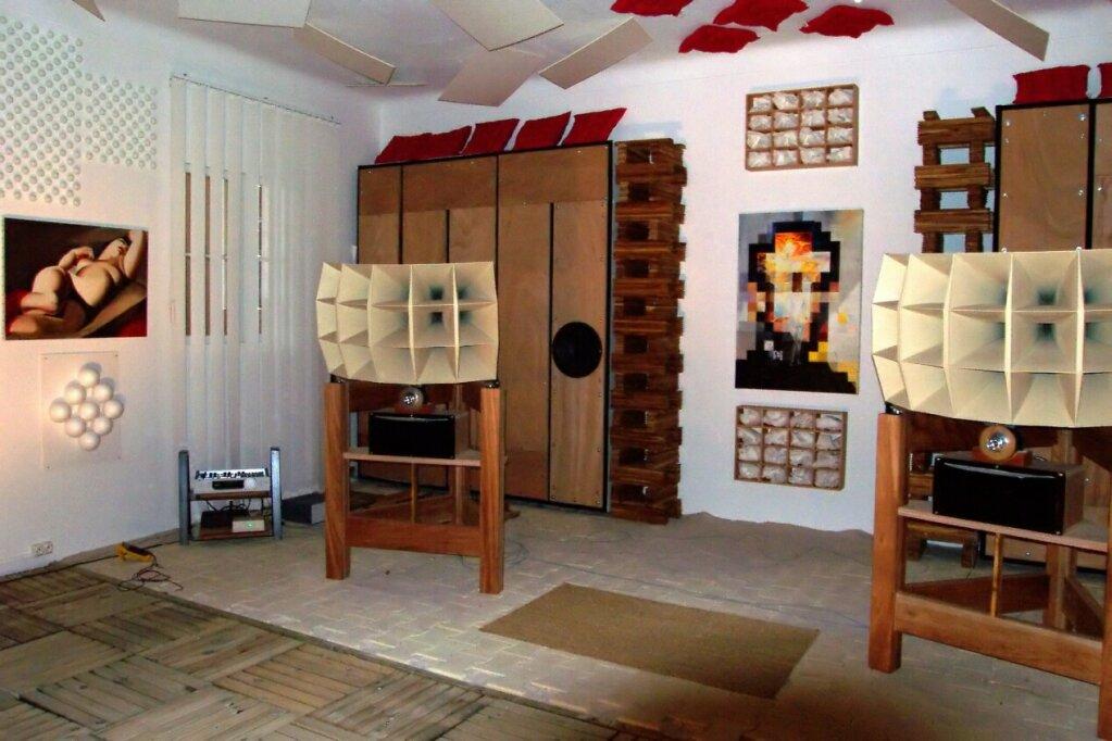 forum cabasse hifi vintage et home cin ma visite chez dan bellity. Black Bedroom Furniture Sets. Home Design Ideas